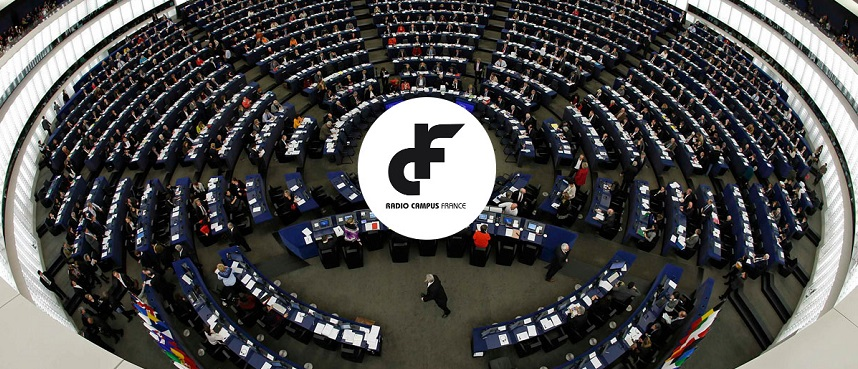 Members of the European Parliament take part in a voting session at the European Parliament in Strasbourg, November 20, 2013. Picture taken with a fisheye lens.   REUTERS/Vincent Kessler (FRANCE - Tags: POLITICS TPX IMAGES OF THE DAY) ORG XMIT: VAK12